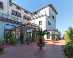 hotel_jaccarino_hotel_a_sant_agata_sui_due_golfi_massa_lubrense_sorrento_foto_b_ingresso_storico